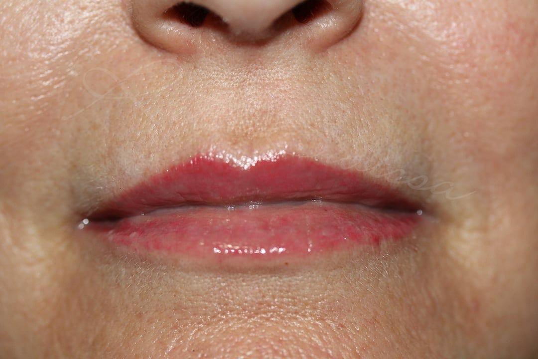 Lip liner & Color Image